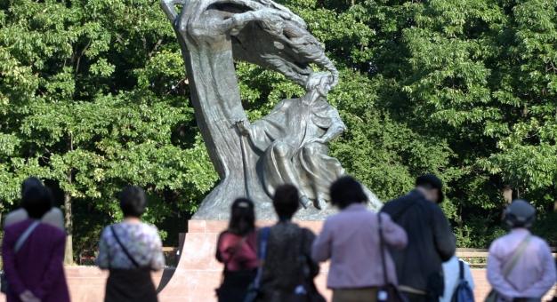 60 lat temu odsłonięty został zrekonstruowany po wojnie pomnik Fryderyka Chopina