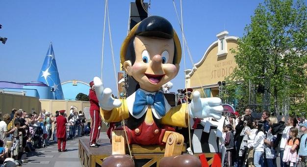 """""""Pinokio"""" przetłumaczony na emotikony"""