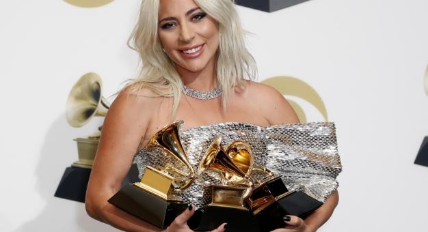 Lady Gaga, Bradley Cooper, Childish Gambino, Kacey Musgraves i Dua Lipa wśród zdobywców nagród Grammy