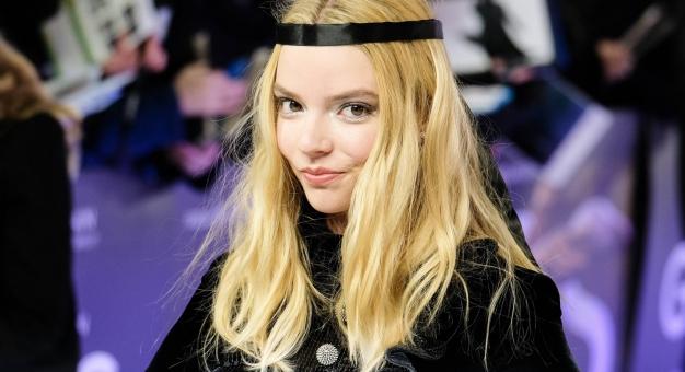 """Gwiazda serialu """"Gambit królowej"""" wyznała, że czuje się strasznie samotna"""