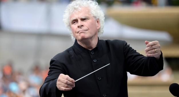 Sir Simon Rattle dyrektorem muzycznym Orkiestry Symfonicznej i Chóru Radia Bawarskiego od sezonu 2023/24