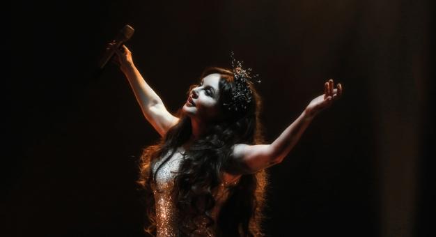 Jedenaście lat temu Sarah Brightman nagrała utwór z polskim wokalistą, Andrzejem Lampertem