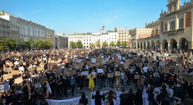 Zagraniczne media komentują protest polskich kobiet przeciwko orzeczeniu Trybunału Konstytucyjnego
