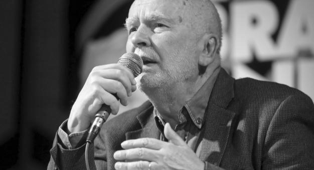 Poeta Adam Zagajewski spocznie w Panteonie Narodowym