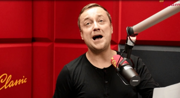 Piosenkę ze słowami Artura Andrusa śpiewa Czesław Mozil!