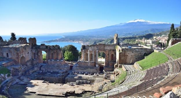 Amfiteatr z widokiem na Etnę