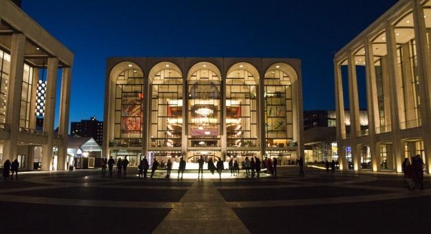 Operowe gwiazdy zaśpiewają prosto ze swoich domów