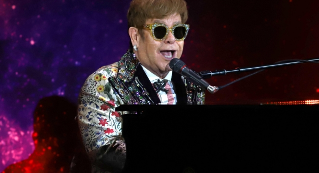 """22 października ukaże się nowy, """"pandemiczny"""" album Eltona Johna"""
