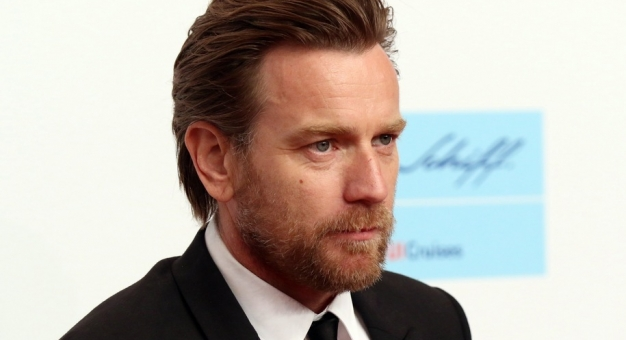 """Ewan McGregor zagra główną rolę w filmowej kontynuacji """"Lśnienia"""""""