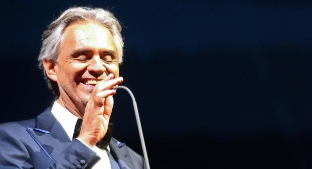 Andrea Bocelli zaśpiewa na Stadionie Narodowym w 2020 r.