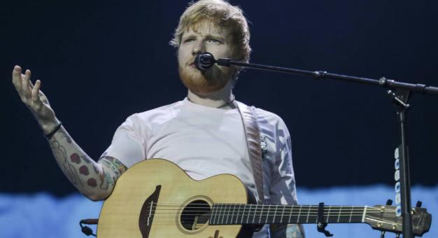 Ed Sheeran prawie stracił w pożarze gitarę, którą dostał od Erica Claptona