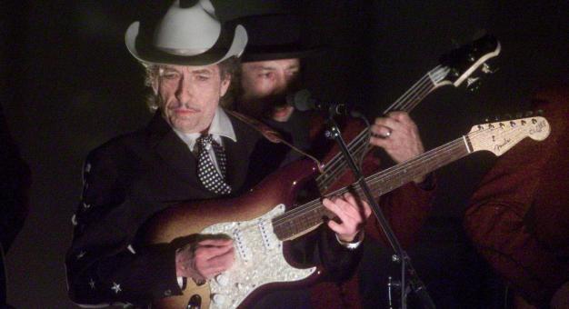 Ujawniono kolejne fakty, które mogą pogrążyć oskarżonego o molestowanie Boba Dylana