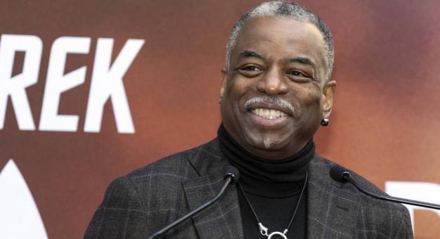 Kultowy amerykański teleturniej poprowadzi czarnoskóry aktor. To jak wybór Obamy?