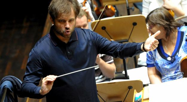 Od nowego sezonu Łukasz Borowicz dyrektorem muzycznym Filharmonii Poznańskiej i dyrygentem-szefem orkiestry