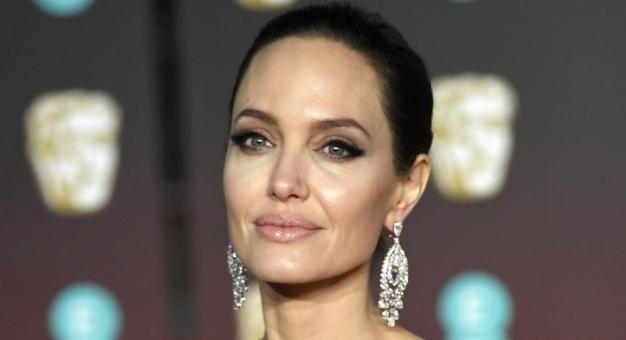 Angelina Jolie zostanie radiowcem? Od grudnia będzie miała swój program!
