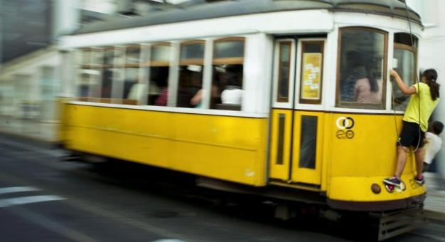 Żółtym tramwajem przez Lizbonę