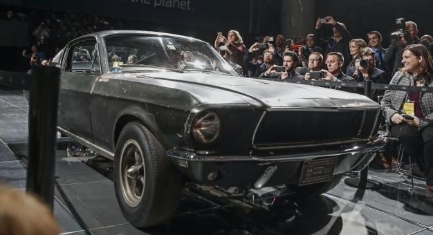 """Mustang z filmu """"Bullitt"""" sprzedany za 3,74 mln dolarów"""