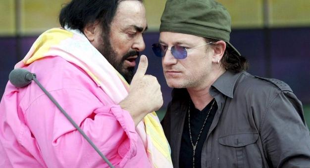 Bono w filmie o Pavarottim