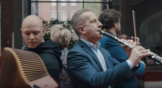 Artyści i pedagodzy Akademii Muzycznej w Katowicach nagrali wideoklip ku pokrzepieniu serc