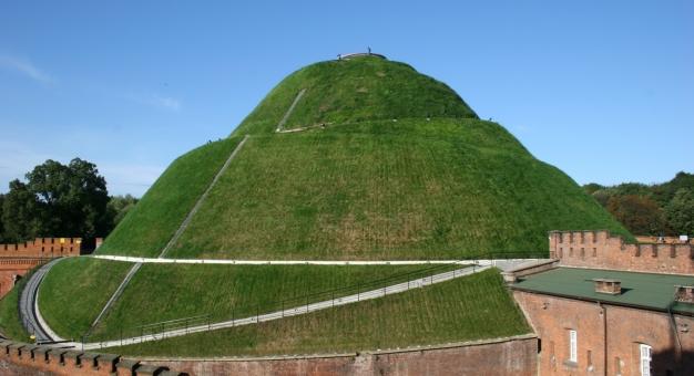 15 września 198 lat temu w Krakowie rozpoczęto usypywanie Kopca Kościuszki