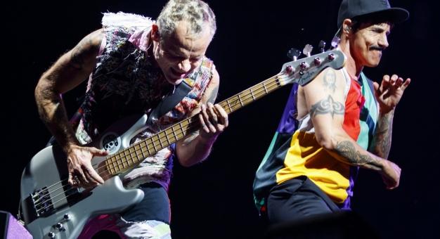 Red Hot Chili Peppers zagrają pod piramidami