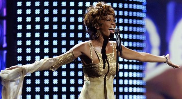 Najlepsza przyjaciółka Whitney Houston potwierdza, że miały romans