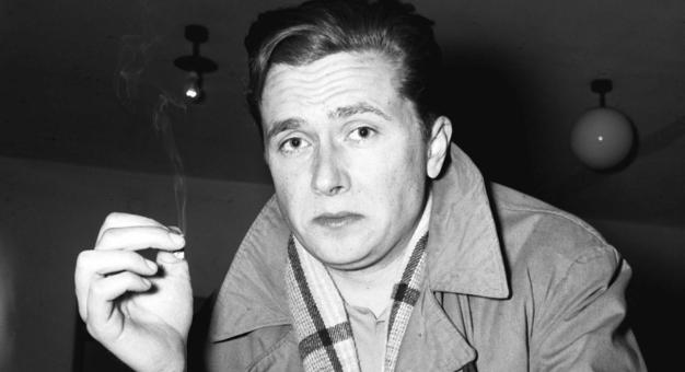 """""""Żył krótko, a wszyscy byli odwróceni"""". 50 lat temu zmarł Marek Hłasko"""