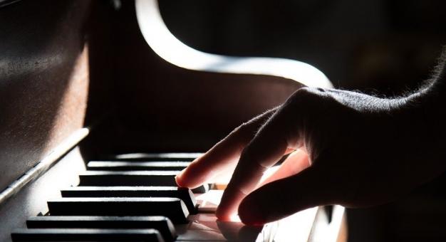 Dwaj sąsiedzi, Polak i Włoch, stworzyli duet fortepianowy, choć nigdy się nie poznali